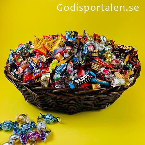 Godiskorg Mega för Påsk - Godisportalen.se